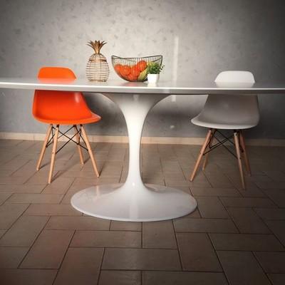 Tavolo Tulip di Esedra by Prospettive Design Eero Saarinen